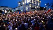 Protest in Warschau: tienduizenden mensen op straat tegen justitiehervormingen