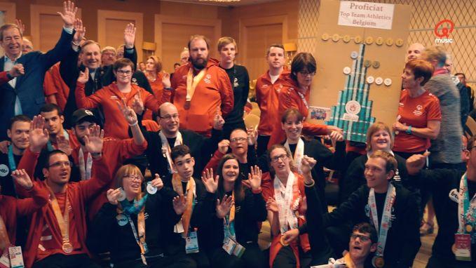 Jan Thans zorgt voor gepaste aankomst van Special Olympics atleten