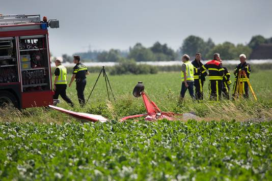Vliegtuigjes in botsing en neergestort Willemstad.