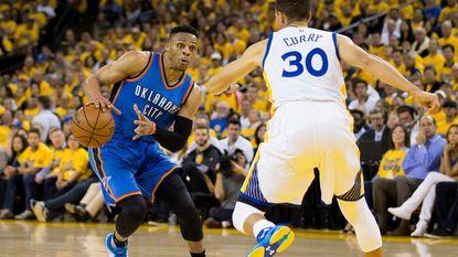 Curry & co geven zich niet zomaar gewonnen tegen Oklahoma City Thunder