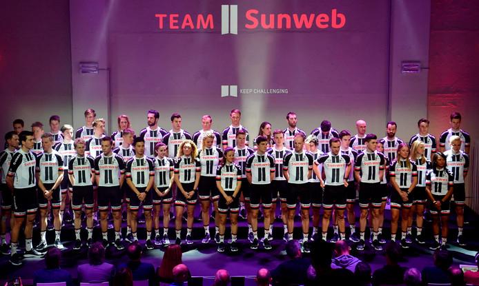 De ploegpresentatie van Subweb in Berlijn.