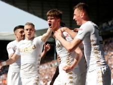 Leeds negeert verzoek regering en gaat voetballen in Myanmar