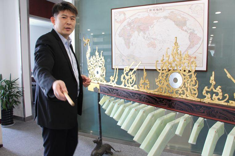 Lü Jie, vicedecaan van de Silk Road School. Beeld Leen Vervaeke
