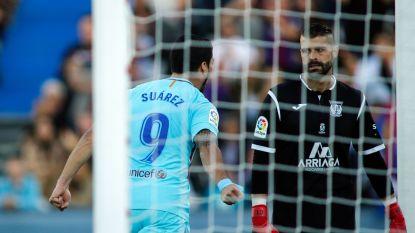 Suárez viert treffer op onsportieve manier voor de neus van de doelman, maar had daar wel een reden voor