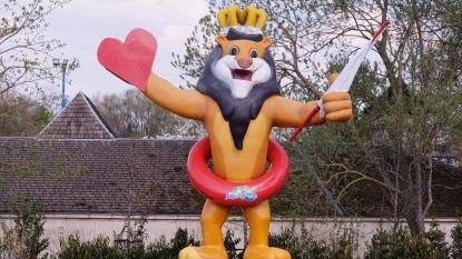 Leeuw van Bellewaerde toont witte vlag en hart voor onze zorgverleners