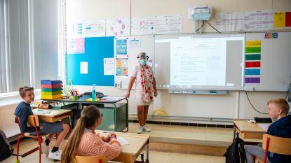 Zo beleven Vlaamse leerlingen hun tweede eerste schooldag: temperatuur checken, handen wassen en véél mondmaskers