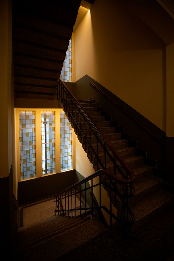 Veel authentieke elementen in de Augustinianum-school, pensionaat, kapel en kerk zijn bewaard gebleven, zoals dit rijk versierde trappenhuis.