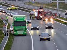 A2 even dicht bij Eindhoven na ongeval met vrachtwagen en personenauto