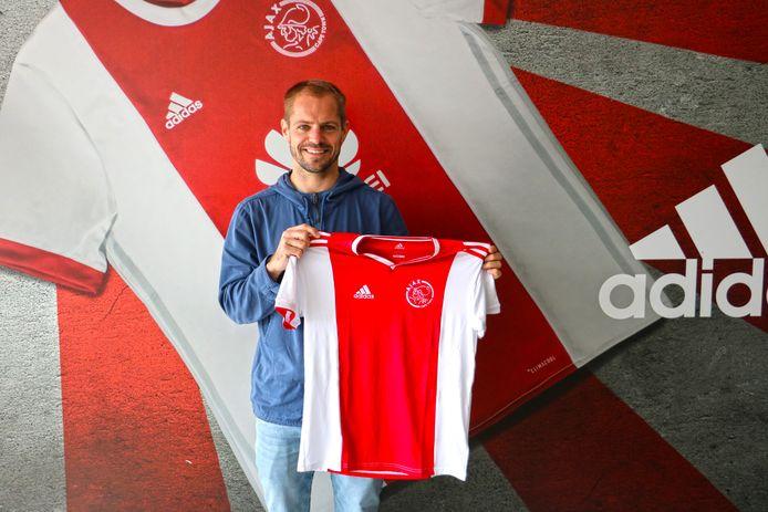 Istvan Bakx tijdens zijn presentatie bij Ajax Cape Town.