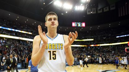 Nuggets evenaren met 24 driepunters NBA-record en geven Warriors pak slaag