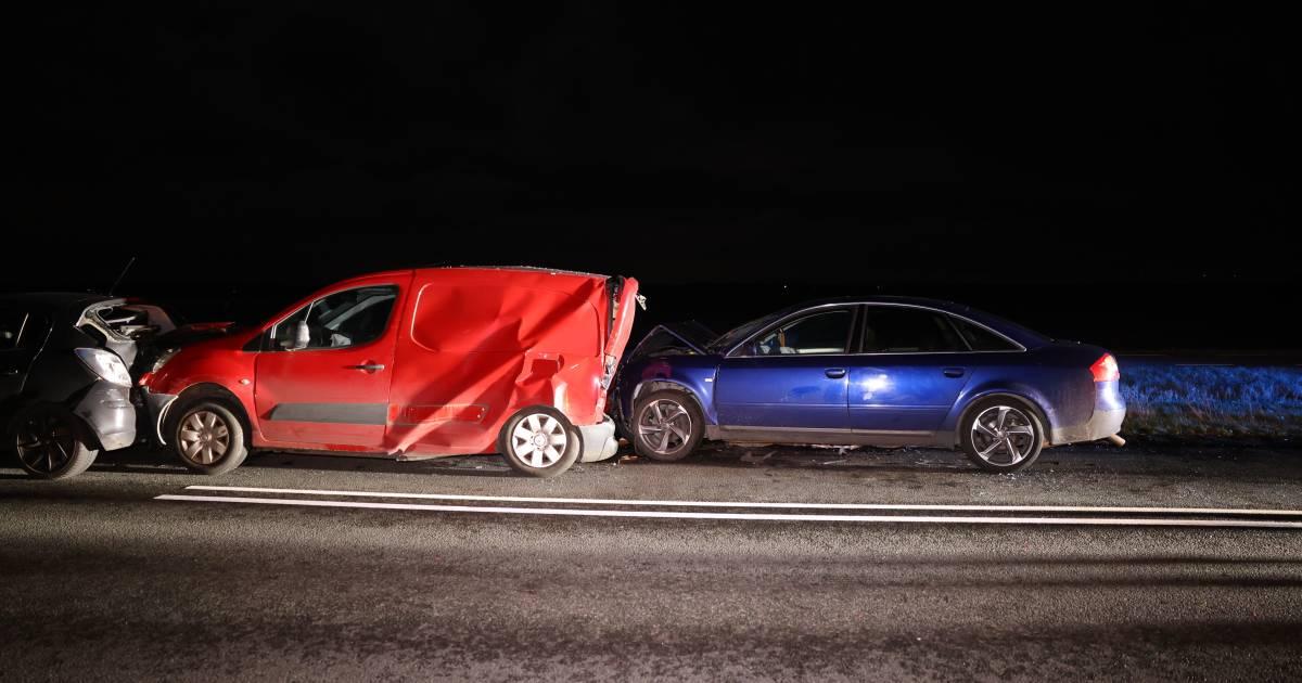 Verkeerslichten staan er nauwelijks of het eerste ongeluk op weg Kampen-Dronten is al een feit.