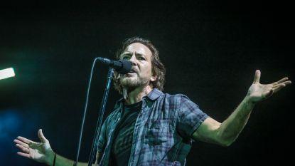 Krakkemikkig Nederlands en een geweldige setlist: zo verovert Pearl Jam (alweer) Werchter