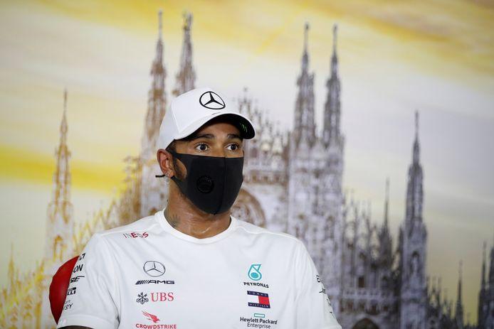 Lewis Hamilton tijdens een persconferentie bij de GP van Italië.