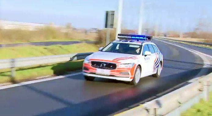 De eerste nieuwe wagen van de wegpolitie werd vandaag voorgesteld in Aalter.
