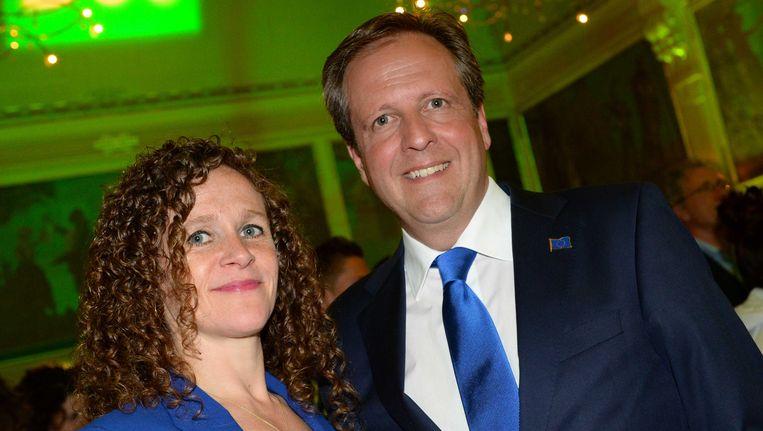 D66-lijsttrekker Sophie in 't Veld en partijleider Alexander Pechtold tijdens de verkiezingsavond. Beeld ANP