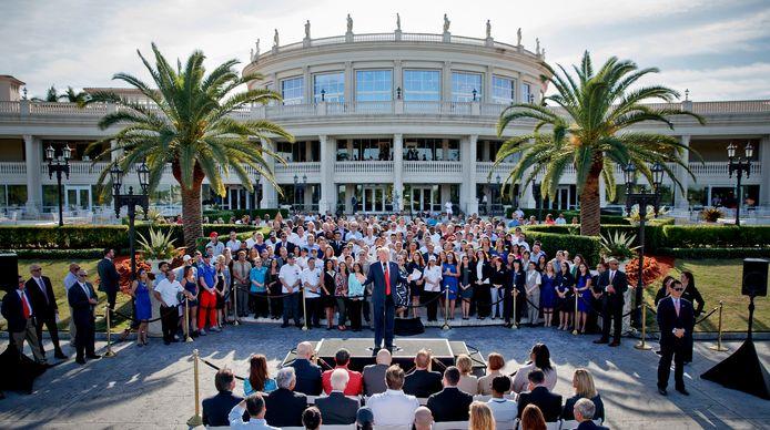 Donald Trump (au centre) au Trump National Doral de Miami, en octobre 2016