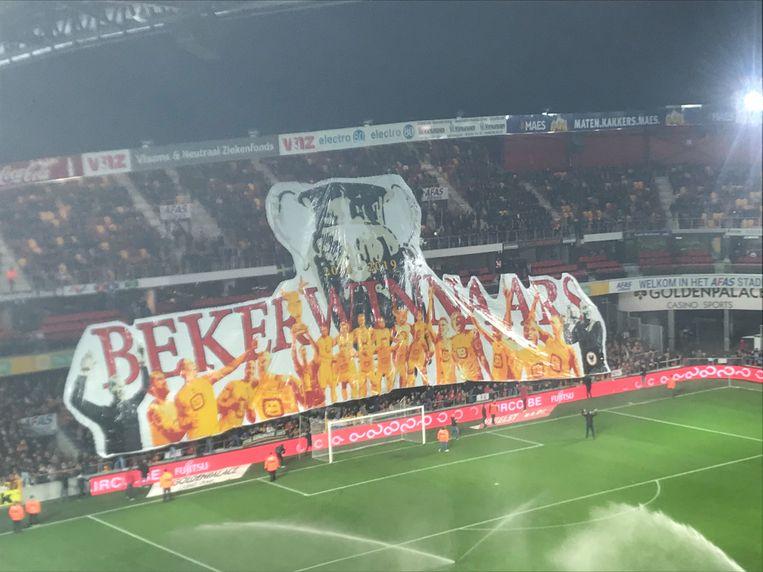 De supporters van KV Mechelen hadden een knappe tifo in huis.