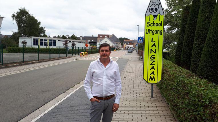 Schepen Tim De Knyf belooft de schoolomgevingen veiliger te maken.
