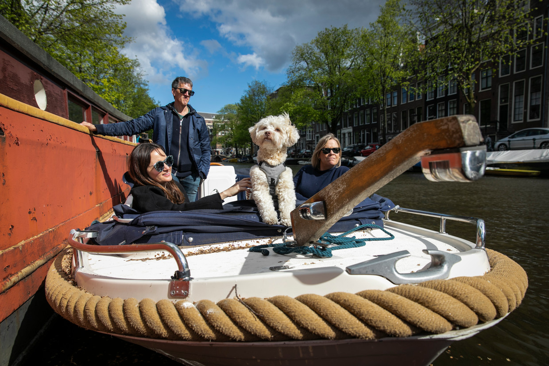 Voor boten die varen in de grachten van Amsterdam gaan andere regels gelden, althans zo zijn de plannen van het gemeentebestuur.