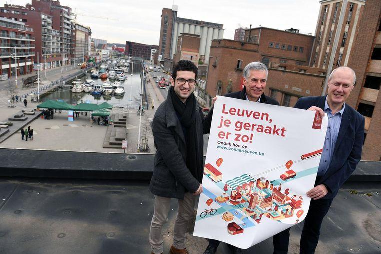 Schepenen Mohamed Ridouani, Carl Devlies en Erik Vanderheiden willen met de campagne 'Leuven, je geraakt er zo!' komaf maken met de opvatting dat de stad moeilijk bereikbaar is.