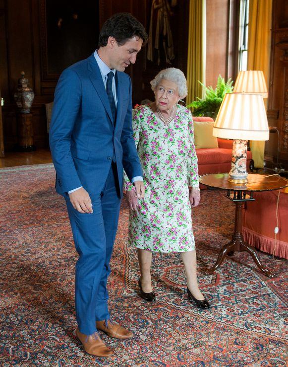 De Canadese premier Justin Trudeau en Queen Elizabeth in 2017.
