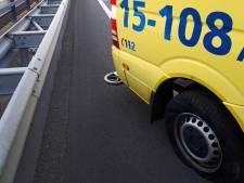 Ambulance eindigt met pech op afrit A12