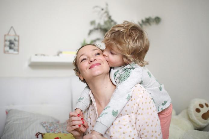 Actuellement, un congé parental ne peut être pris qu'à temps plein, mi-temps ou un jour par semaine. A partir du 1er juin, ce sera donc possible également par demi-jour ou par jour complet toutes les deux semaines.