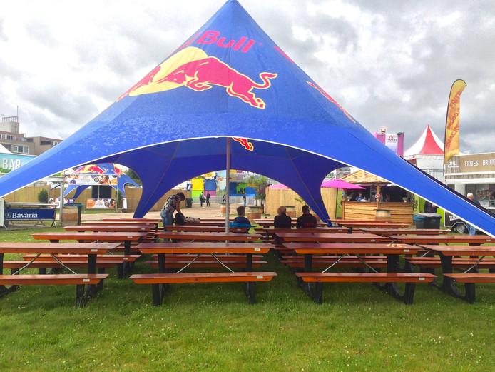 Het festivalterrein kort voor de aanvang.