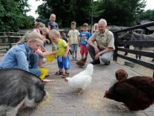 Tranen in de rechtbank: Bertus mag beheerder van kinderboerderij in Apeldoorn blijven