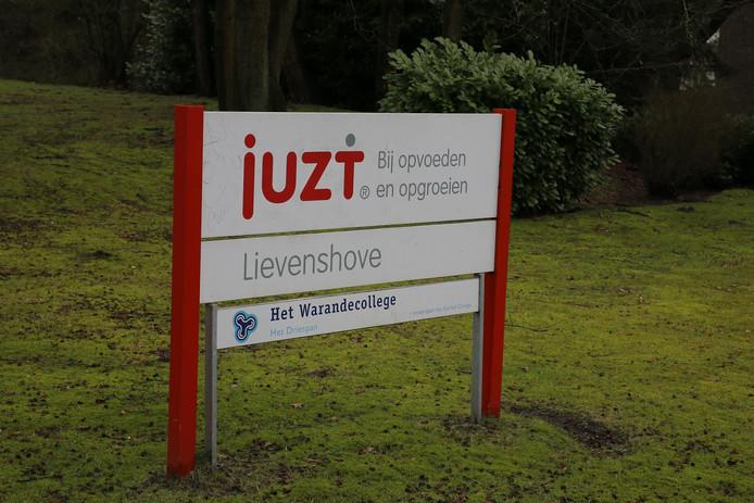 Lievenshove, Bredaseweg in Oosterhout.