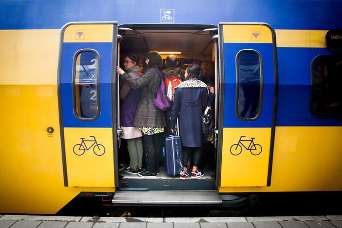 Tussen Meppel en Steenwijk rijden tot 16.30 uur geen treinen door een defecte trein.