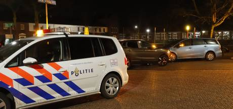 Moeder en kind gewond na autobotsing in Grave