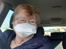 Annie van der Heijden (77) is weer thuis in Keldonk nadat ze met corona in een Emmens ziekenhuis lag