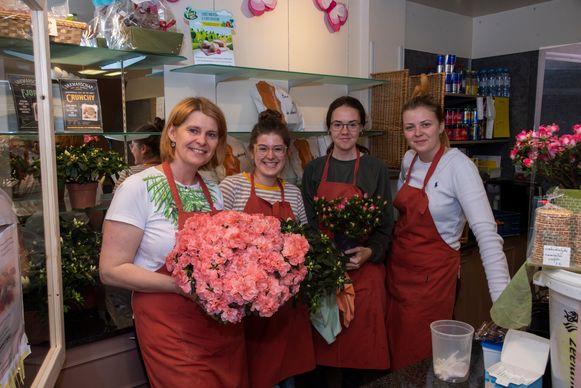 Azalea's voor Moederdag bij Bakkerij Vandenbouhede.