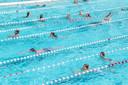 Baantjes trekken in Openluchtbad Zwolle, het kan tijdens de zwemvierdaagse vanaf 24 juni.