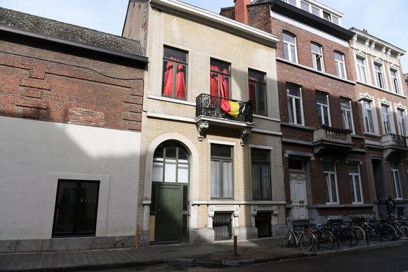 Vanuit dit pand in de Blijde Inkomststraat zou een drugsnetwerk georganiseerd zijn. Ook dit is een pand van de beruchte kotbaas Appeltans.