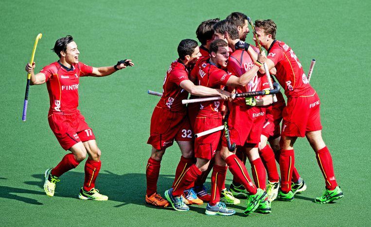 De Red Dragons vieren hun triomf