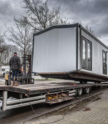 Woonwagenlocaties Elst en Zetten op losse schroeven