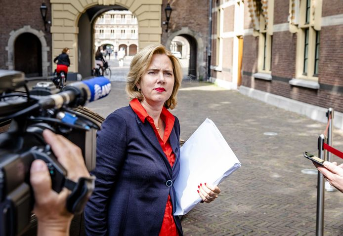 Cora van Nieuwenhuizen is naast minister van Infrastructuur en Waterstaat (VVD) ook fanatiek Feyenoord-fan.