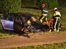 Drie gewonden, auto slaat over de kop op A27 bij Bavel