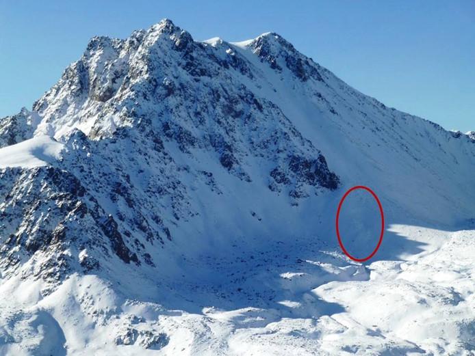 De lawine had plaats bij de Imp Peak (3.414 meter) in het zuidwesten van Montana.