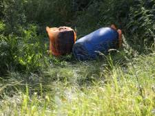 Drugsafval gevonden op spottersplaats vliegveld Volkel, lag er mogelijk al ruim een week