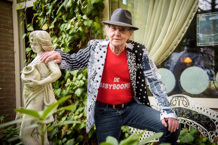 Emil Peijnenburg uit Best schreef een carnavalslied over babyboomers