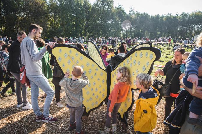 In 2018 werd het geboortemonument in de vorm van vlinders gemaakt. Die staan in de Gentbrugse Meersen