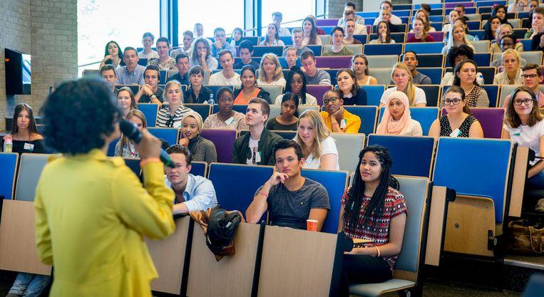 Aankomende eerstejaarsstudenten van de Erasmus Universiteit. Beeld ANP
