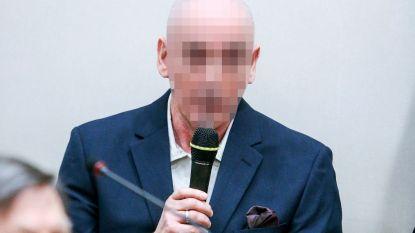 Seriemoordenaar Renaud Hardy valt agent aan tijdens gevangenentransport