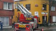 Brandweer voorkomt dat dakgoot Café Gitan valt