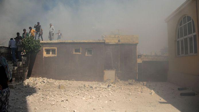 Lundi, cinq Syriens, dont quatre enfants, sont déjà décédés à Kilis en raison de roquettes tirées depuis la Syrie.