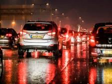 Ongeval net voorbij Beneluxtunnel: ernstige verkeershinder