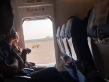 Vrouw opent nooddeur vliegtuig voor 'frisse lucht'